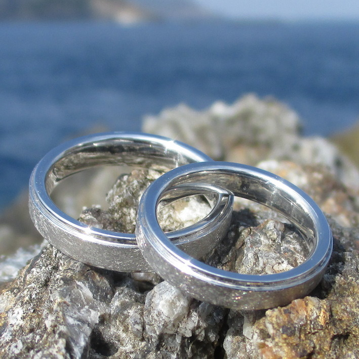究極の結婚指輪・純イリジウムのペアリング Iridium Rings