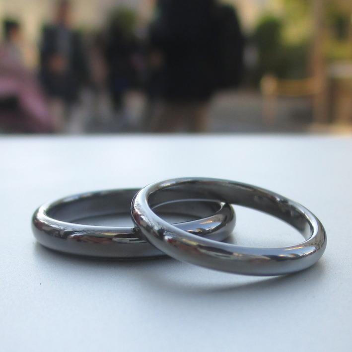 金属アレルギーにならないタンタルとハフニウムの結婚指輪 Tantalum & Hafnium Rings