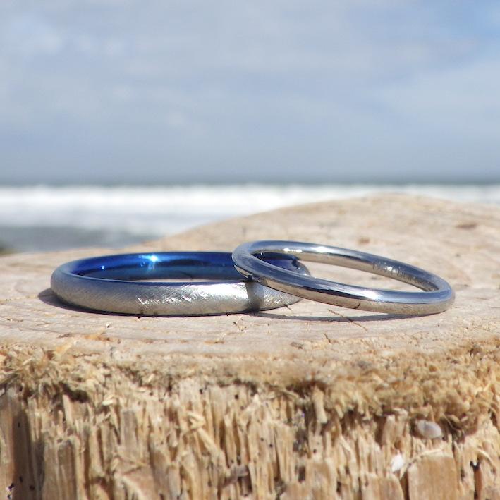 仕上げの違いで、こんなにも印象が変わる!ハフニウムの結婚指輪