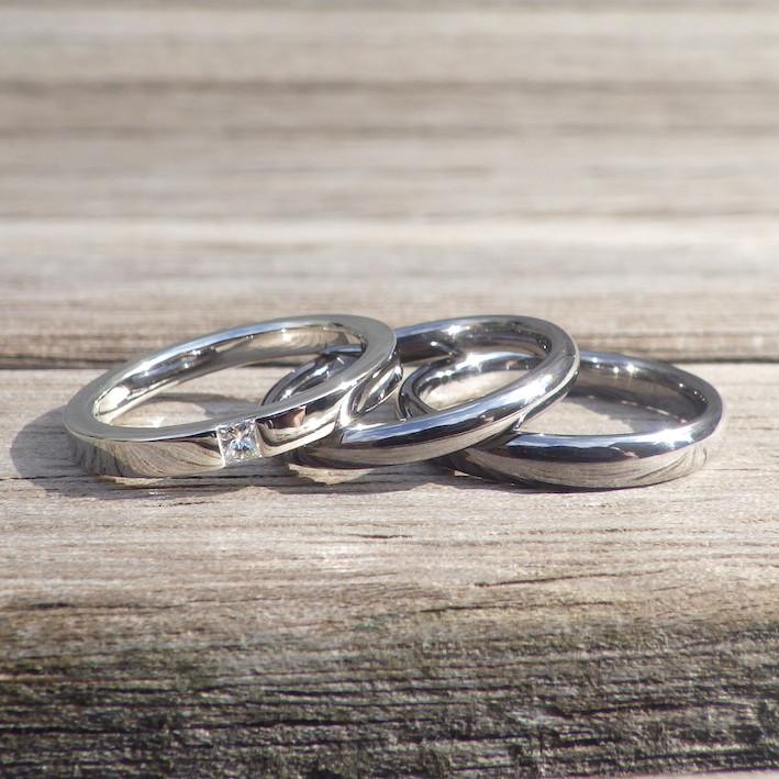 結婚指輪との重ねづけが似合う!プリンセスカット ダイヤモンドの婚約指輪