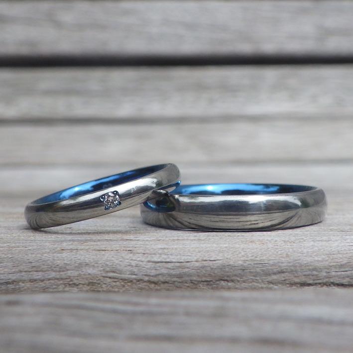 心地よさは、素材の良さとシンプルなデザインだから。ハフニウムの結婚指輪