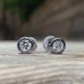 タンタルとダイヤモンドのピアス