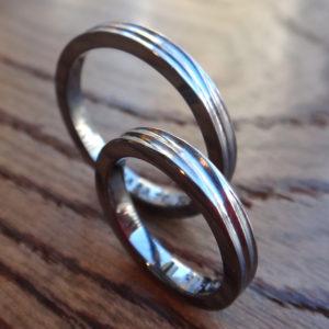 琉球サンゴ礁のさざ波模様 タンタルの結婚指輪 Tamtalum Rings