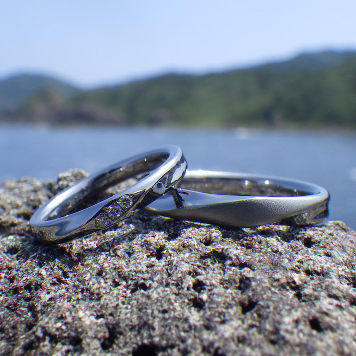 情熱を形にするオーダーメイド・ハフニウムの結婚指輪 Hafnium Rings