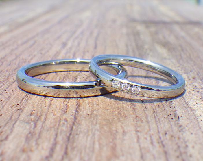 プラチナに近い見た目のハフニウムの結婚指輪