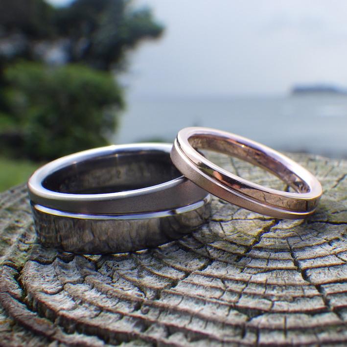 タンタルの指輪とピンクゴールドの指輪のペアリング