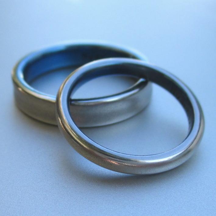 青色が美しい!プラチナとチタンを組み合わせた結婚指輪 Platinum × Titanium Rings