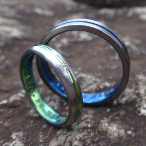 珍しい色のジルコニウムの結婚指輪 Zirconium Rings