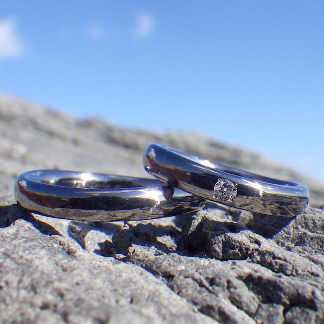 ウェーブのデザインのタンタルの指輪