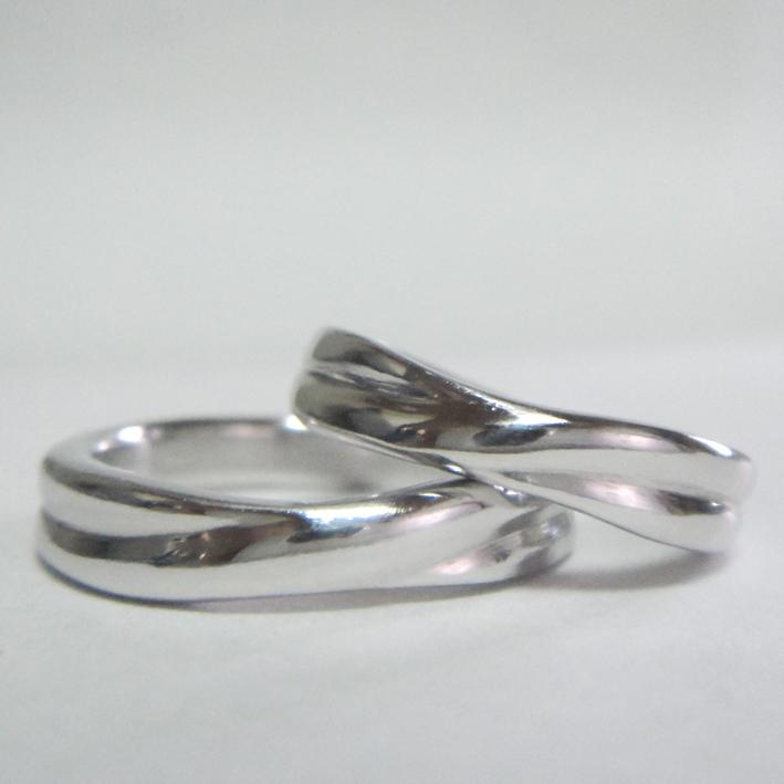 鍛造イリジウムで作ったペアリング Iridium Marriage Rings