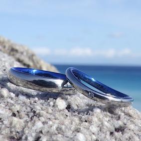 ウェーブのデザインのハフニウムの指輪