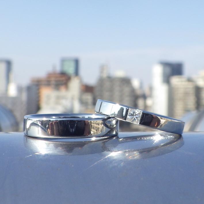 端正なプリンセスハグセッティング・ハフニウムの結婚指輪 Hafnium Rings
