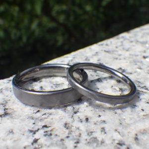 鍛造タンタルのシンプルで丈夫な結婚指輪 Tantalum Rings