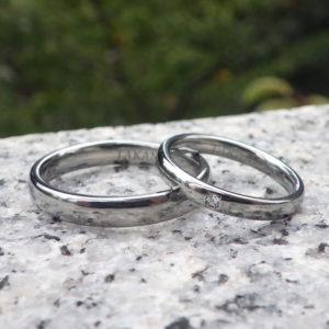 人間が心地良いユニバーサルなデザイン・ハフニウムの結婚指輪 Hafnium Rings