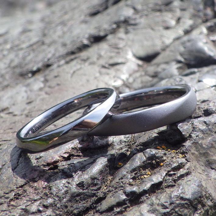 6回ねじりのデザイン・タンタルの結婚指輪 Tantalum Rings