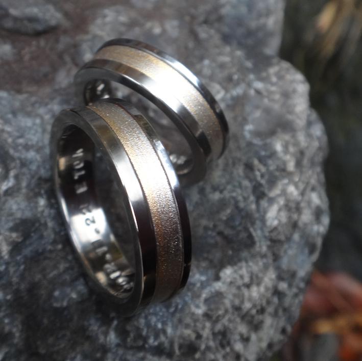 ジルコニウムと杢目金の結婚指輪