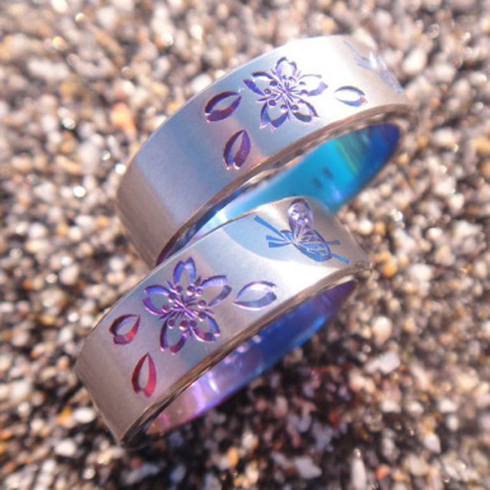 桜と蝶の彫りのジルコニウムリング
