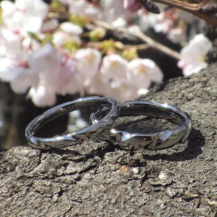 想いを形にする造形技術・ハフニウムの結婚指輪 Hafnium Rings