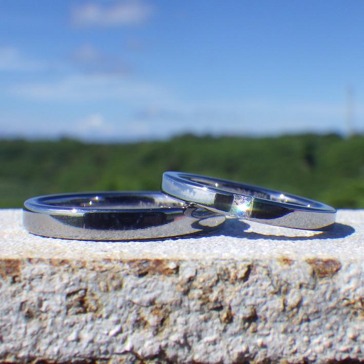 普段使いでも快適なプリンセスハグセッティング・タンタルの結婚指輪 Tantalum Rings