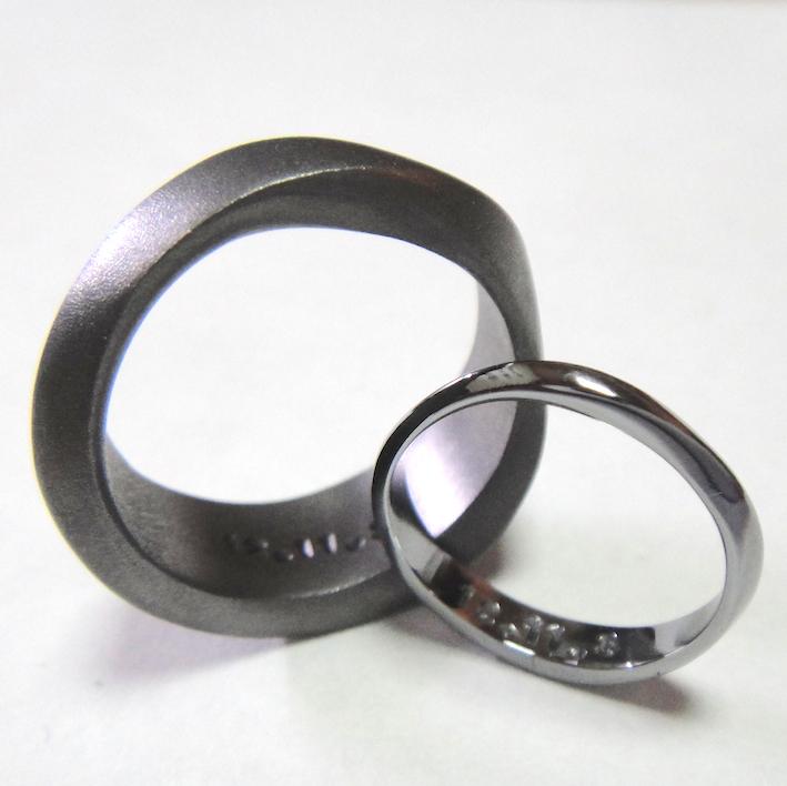 永遠のシンボル・メビウスの輪 タンタルのペアリング Tantalum Ring