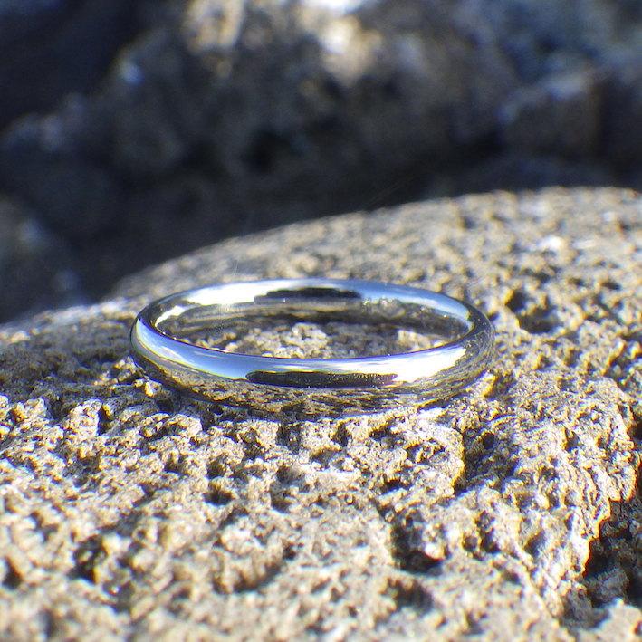金属アレルギーの奥さまに、ハフニウムの指輪をプレゼント Hafnium Ring