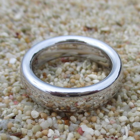 ロジウムの指輪