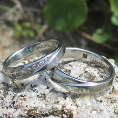 【金属アレルギー対応】ダイヤモンド7点を石留めしたハフニウムの指輪