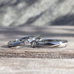 金属アレルギーでも安心のハフニウムのマリッジリング Hafnium Rings