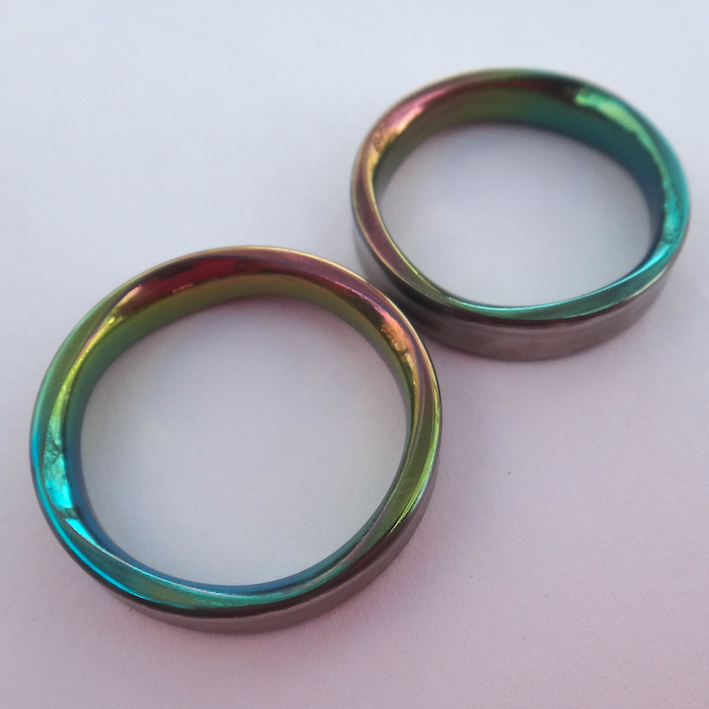 8枚花弁のジルコニウムの結婚指輪 Zirconium Rings