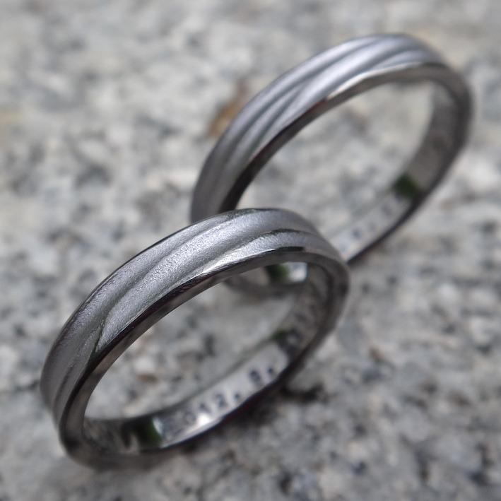 """""""風""""を感じるデザインのタンタルの結婚指輪 Tantalum Rings"""