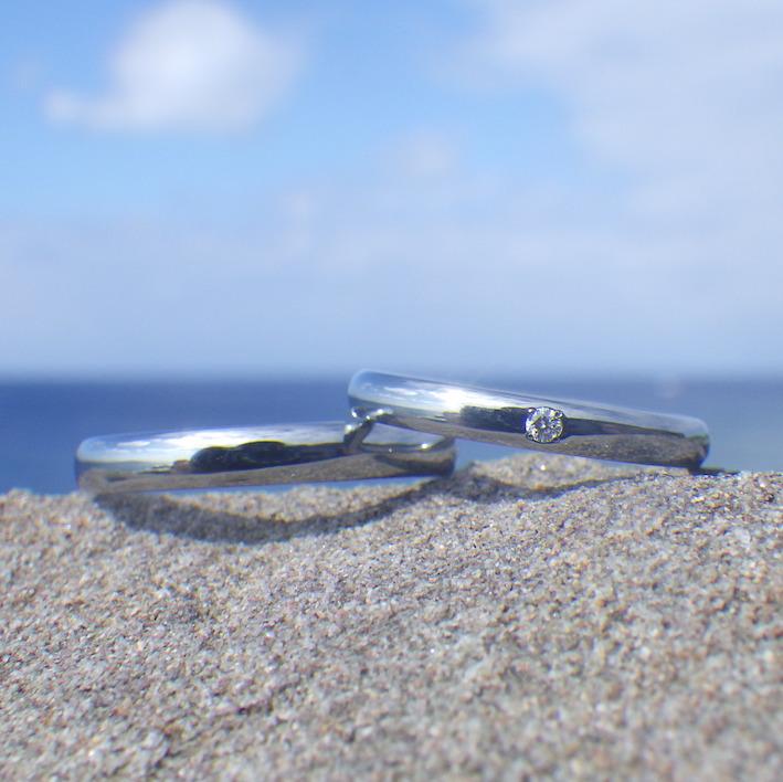 サプライズよりも、二人でずっと着けられる喜び!ハフニウムの結婚指輪 Hafnium Rings