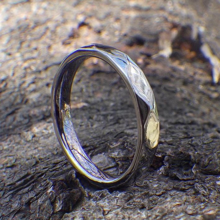 多面体のデザイン・タンタルの結婚指輪 Tantalum Ring