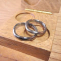 ゆるやかウェーブ ハフニウムのペアリング Hafnium Rings