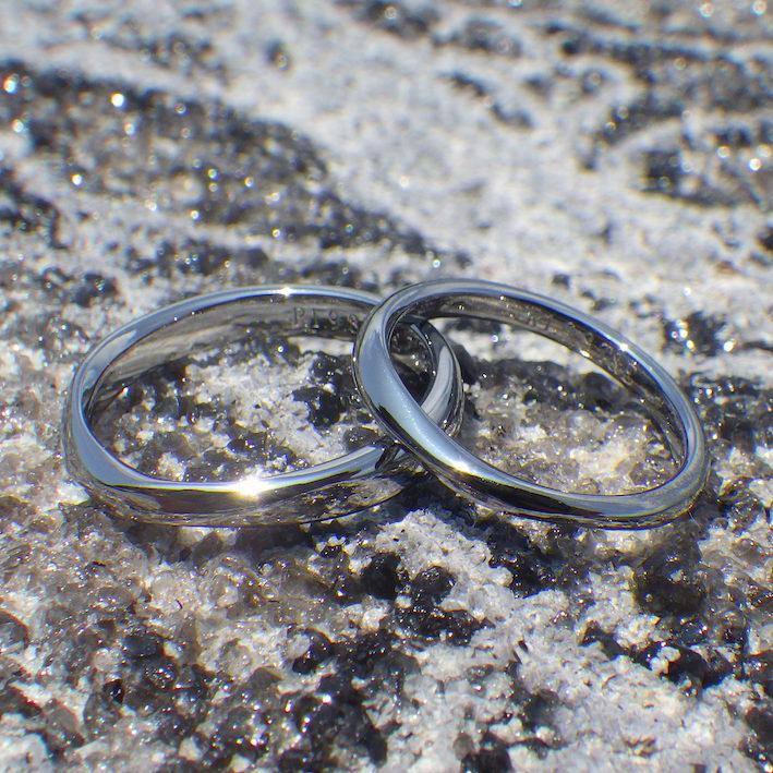 ふたりの繋がりをいつも感じさせてくれる作り方・ハフニウムの結婚指輪