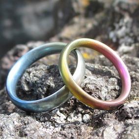 金属アレルギー対応のジルコニウムの結婚指輪